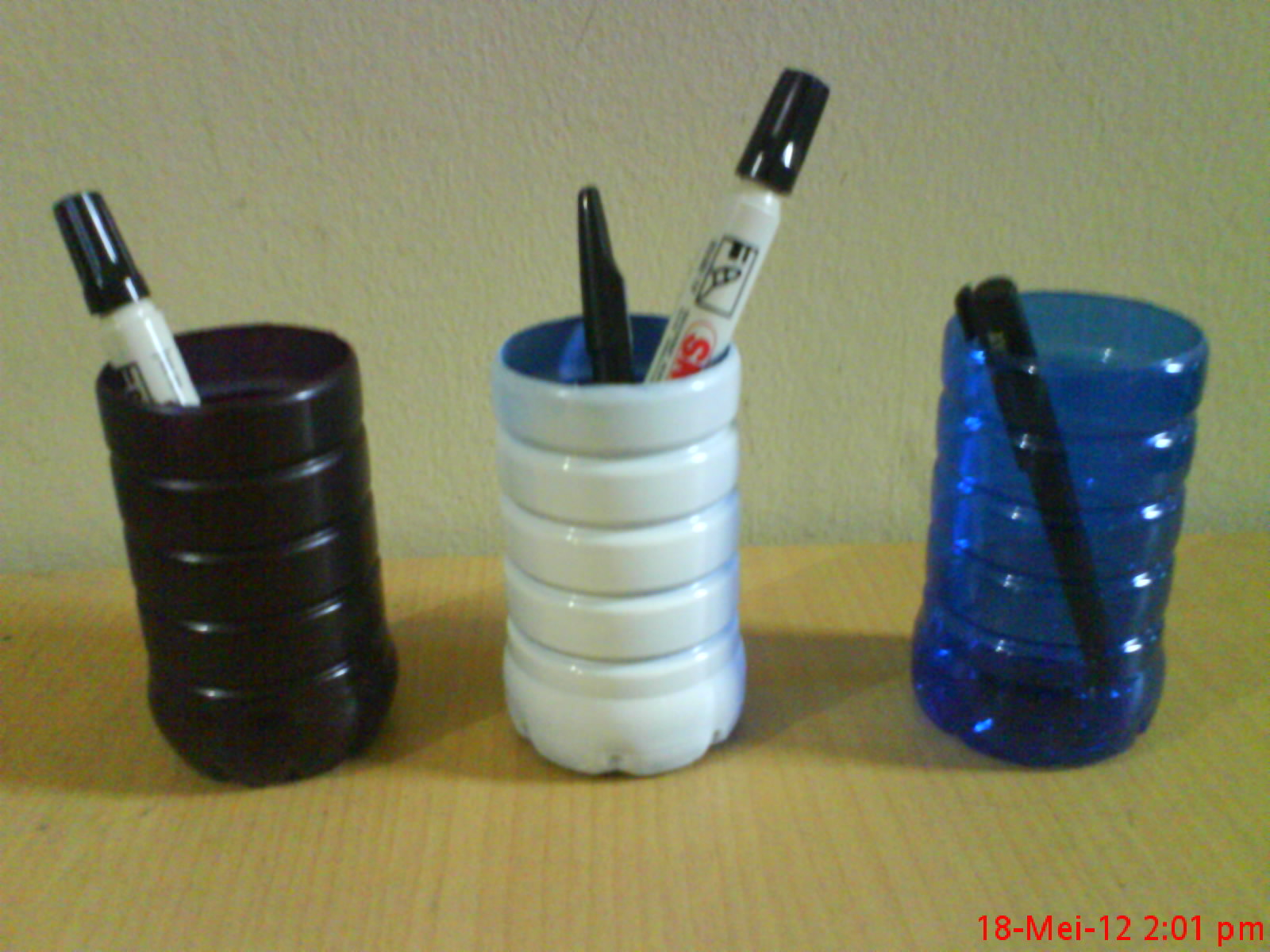 KREATIVITAS  Mari Membuat Tempat Pensil Dari Botol Plastik Bekas ... ef0d138db3